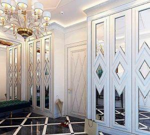 Двери с делителем наклейкой