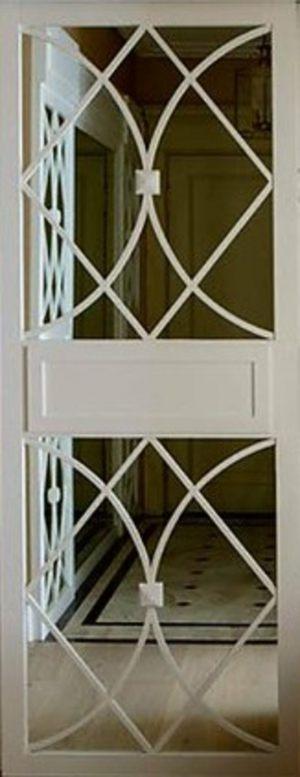 Вставка с фигурной филенкой на зеркале эмаль