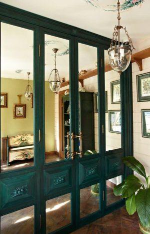 Распашные двери филенкой и декоративными накладками